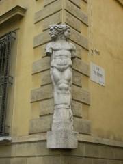 Palazzo_magnani,_giano_bifronte.jpg